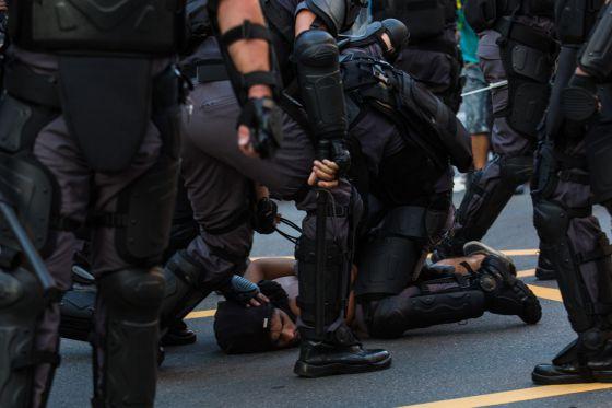 2016-12-07-nresil-repression-1420742186_706207_1420853074_noticia_normal