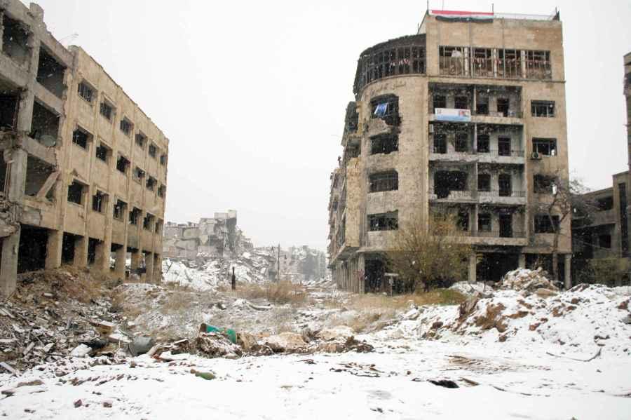 2017.03.17 2048x1536-fit_entree-dans-la-vieille-ville-d-alep-en-syrie-les-ruines-se-couvrent-de-neige-le-21-decembre-2016