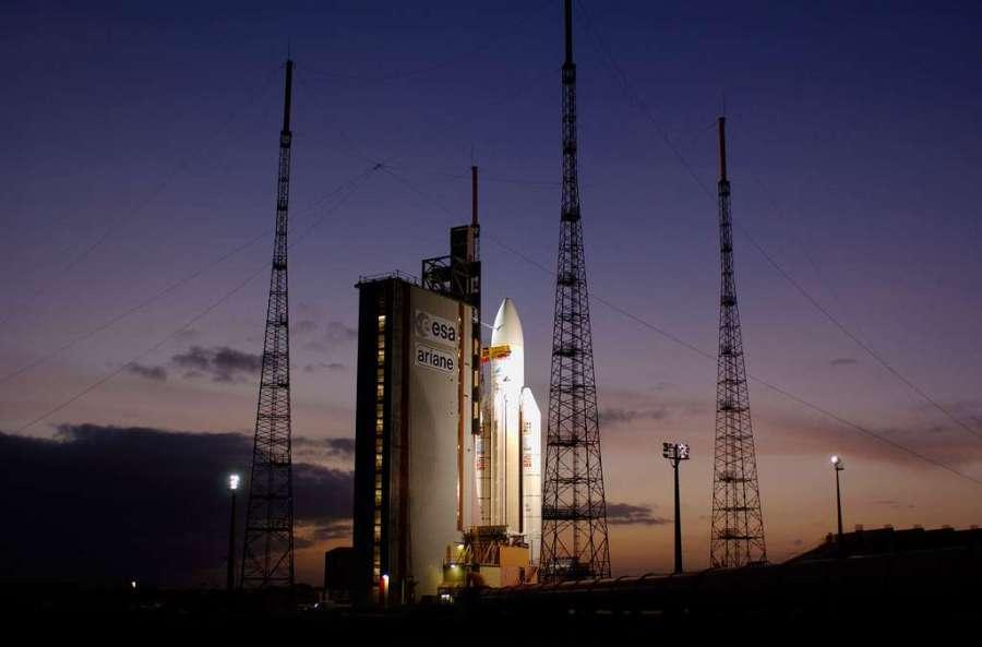 2017.03.28 Ariane 5 sur son pas de tir du Centre Spatial Guyanais31cc5f505b_50076872_331