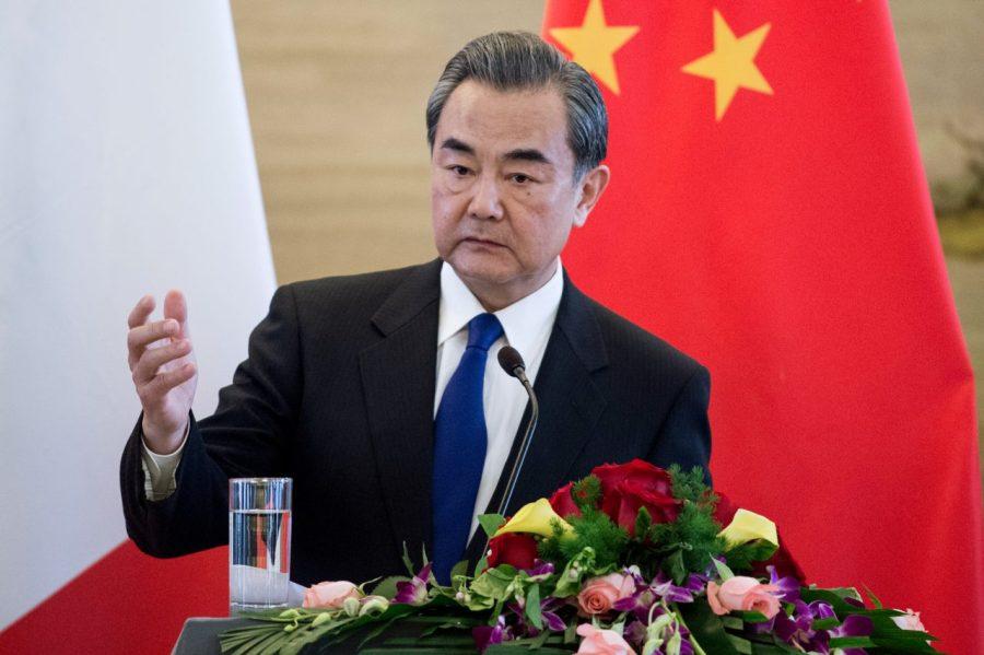 2017.04.15 Le ministre chinois des Affaires étrangères Wang Yi lors d'une conférence de presse à Pékin le 14 avril 2017. Crédits - AFP PHOTO- Fred DUFOUR chine-wang-yi-1280x853