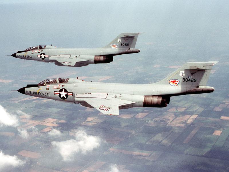 2017.05.20 avion combat US mcdonnell-f101-voodoo