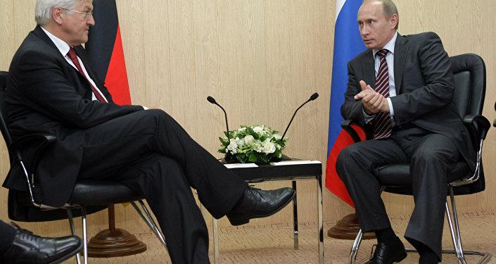 2017.06.31 Frank-Walter Steinmeier, nouveau président de l'Allemagne et Poutine 1030054713