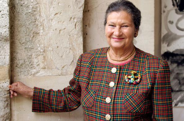2017.06.32 En 2004, Simone Veil est membre du Conseil constitutionnel. - Crédits photo CATHERINE GUGELMANN AFP XVM25684ec6-b64a-11e2-b5d2-fd08edcee464-805x530
