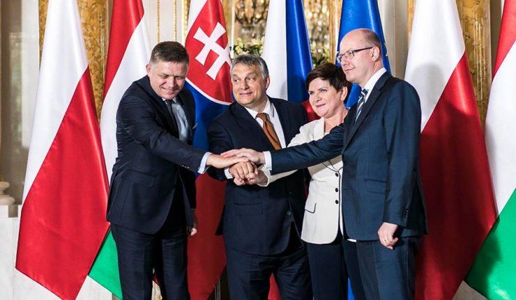 2017.07.04 -la Hongrie a débuté officiellement pour un an la présidence du V4.19225902_10155264153056093_3593563103610065766_n-740x431