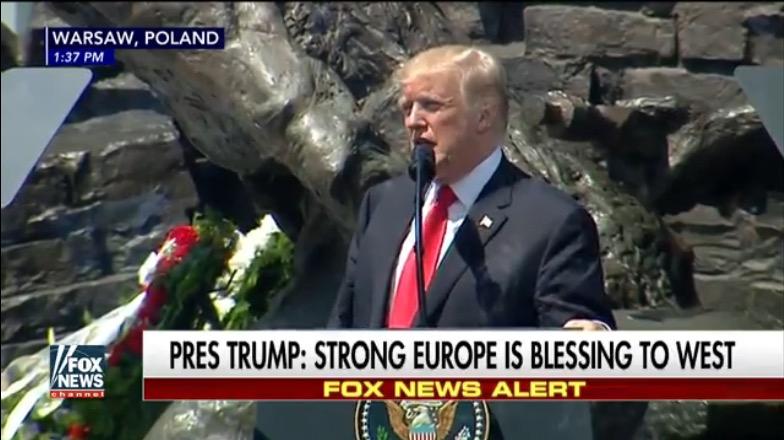 2017.07.16 Dans son discours à Varsovie, M. Trump évoque la menace terroriste et l'islamisme radical, et explique que l'Europe doit se demander si elle a «la volonté ... Trump-Varso