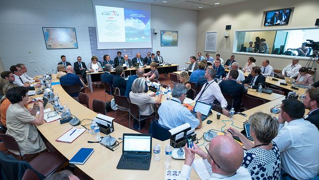 2017.08.09 reunion-de-la-commission-de-la-defense-nationale-et-des-forces-armees_slide_full