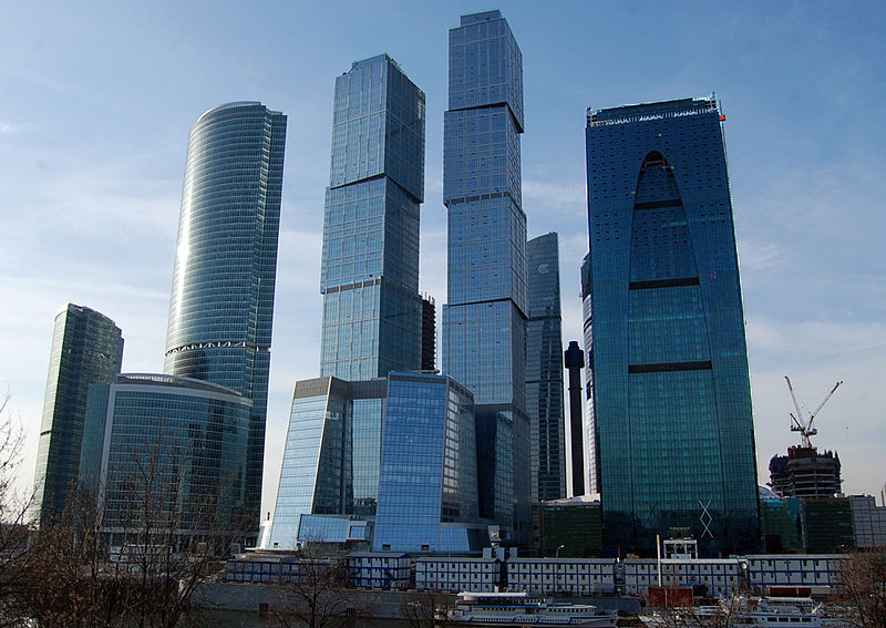 Moscou économique 800px-Moscow-City_28-03-2010_3_l
