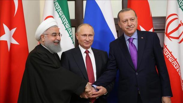 le sommet de Sotchi le Président russe Vladimir Poutine, le Président turc Recep Tayyip Erdogan et le Président iranien Hassan Rohani 5a158f94114f4