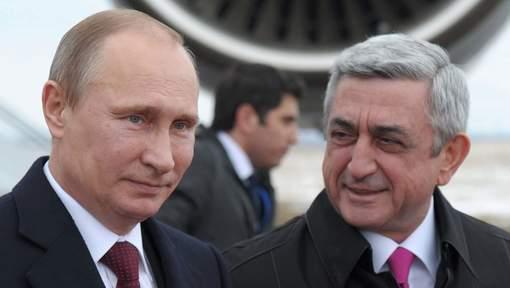 Les Président russe Vladimir Poutine et Président arménien Serge Sargsian.media_xll_7554449