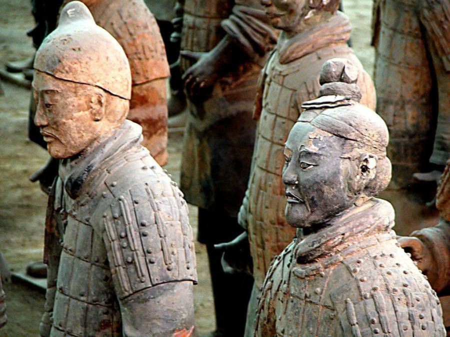 CHINE armee-terre-cuite-empereur-qin-xia-an-chine-2