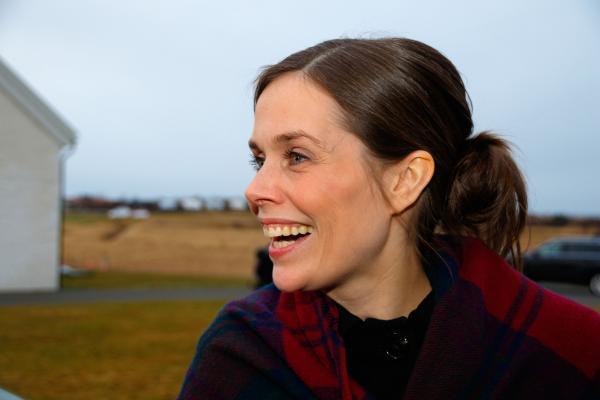 Katrin Jakobsdottir 1ER MINISTRE D'ISLANDE 01.12.17 Icelands-new-Prime-Minister-Katrin-Jakobsdottir-takes-office