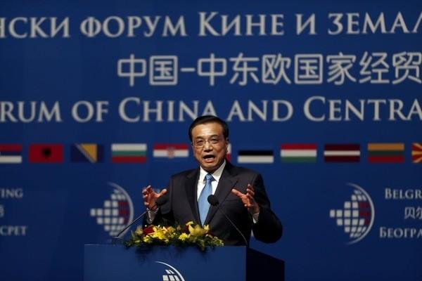 Le-premier-ministre-chinois-Li-Keqiang-lors-ceremonie-ouverture-forum-economique-commercial-Chine-Europe-centrale-Belgrade-mardi-16-decembre_0_1400_400