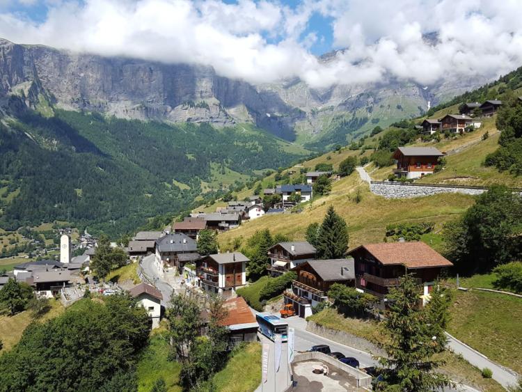 Suisse - Albinen 5a145eb045fccf31018b46a3-750-563