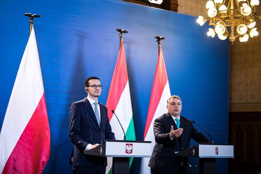 HONGRIE POLOGNE Mateusz Morawiecki(g) et Viktor Orbán(d). Photo - page Facebook de Viktor Orbán.26173869_10155838176351093_5895492062848853441_o