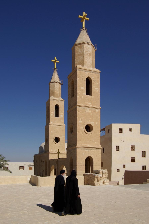 MONASTERE SAINT ANTOINE au pied du Mont Qulzum en Egypte Antonius_Kloster_BW_7