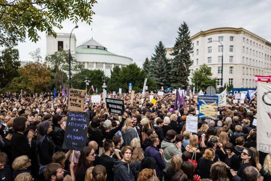 POLOGNE Bâtiment polonais du parlement,+ MANIF le Sejm de la Pologne Photos stock5fd1b3f_17464-1y58tly