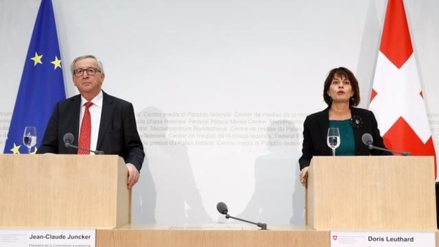 SUISSE la présidente de la Confédération Doris Leuthard et le président de la Commission Junker teaserbreit