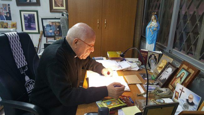 SYRIE Père Elias Zahlaoui dans son bureau à l_Eglise Notre Dame de Damas © Nadine Zelhof elias_zehlawi-650x366