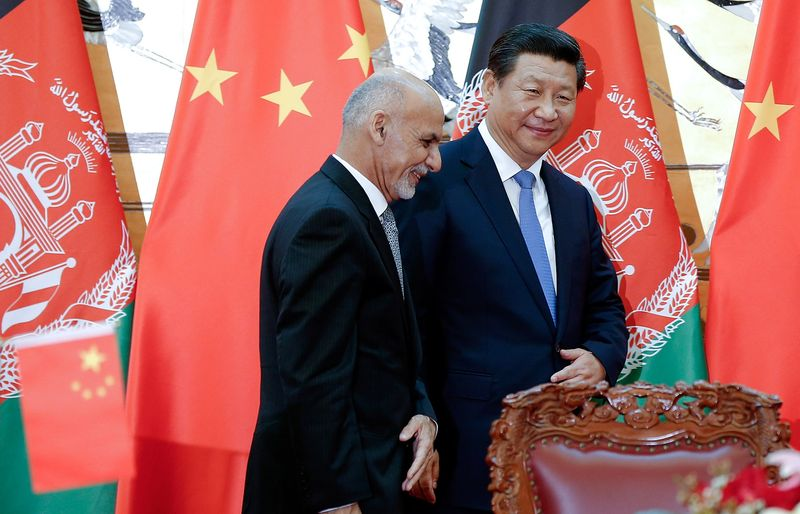 AFGHANISTAN CHINE President Xi Jinping, right, with Afghan President Ashraf Ghani 800x-1