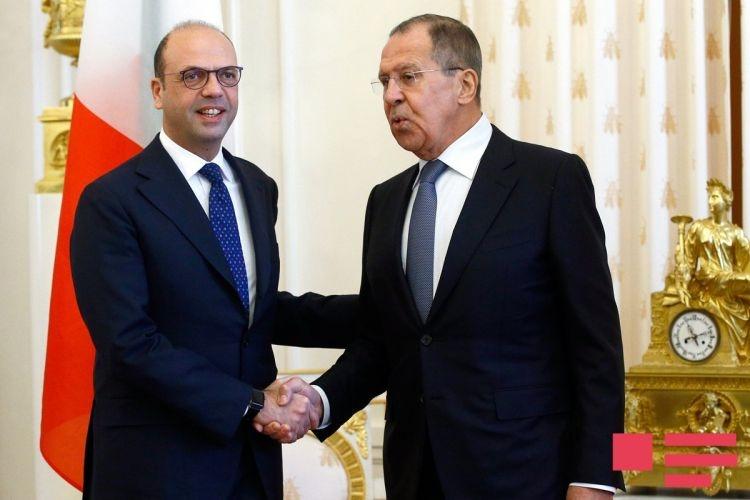 RUSSIE entretien entre le Ministre russe des Affaires étrangères Sergueï Lavrov et le Ministre italien des Affaires étrangères Angelino Alfano le 1er février à Moscou.40ba16717399