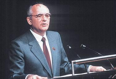 RUSSIE Mikhaïl Gorbatchev 1008237-Mikhaïl_Gorbatchev_1988