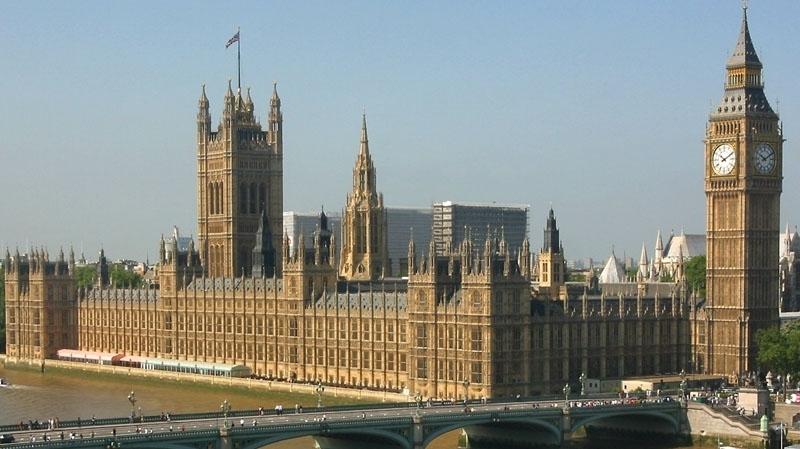 parlement_britannique_1490195328