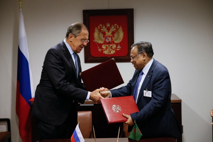 RUSSIE Sergueï Lavrov avec son homologue bangladais Abul Hassan Mahmood Ali Бангладеш