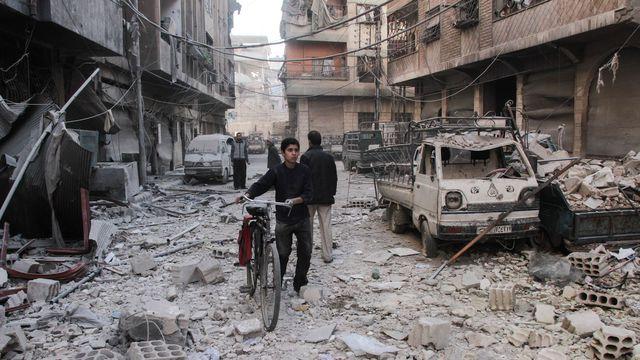 SYRIE la-ville-rebelle-de-douma-pres-de-la-capitale-syrienne-damas_5978532