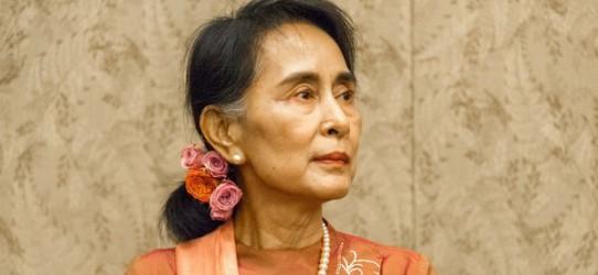 asie Myanmar défie la « communauté internationale Aung-San-Suu-Kyi-20170402-1728x800_c