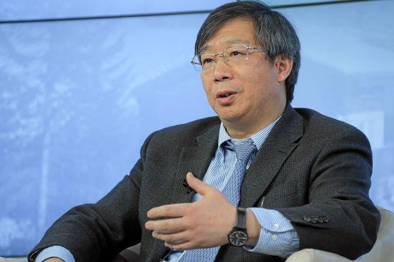 chine Yi Gang 1200px-Yi_Gang_World_Economic_Forum_2013_(3)