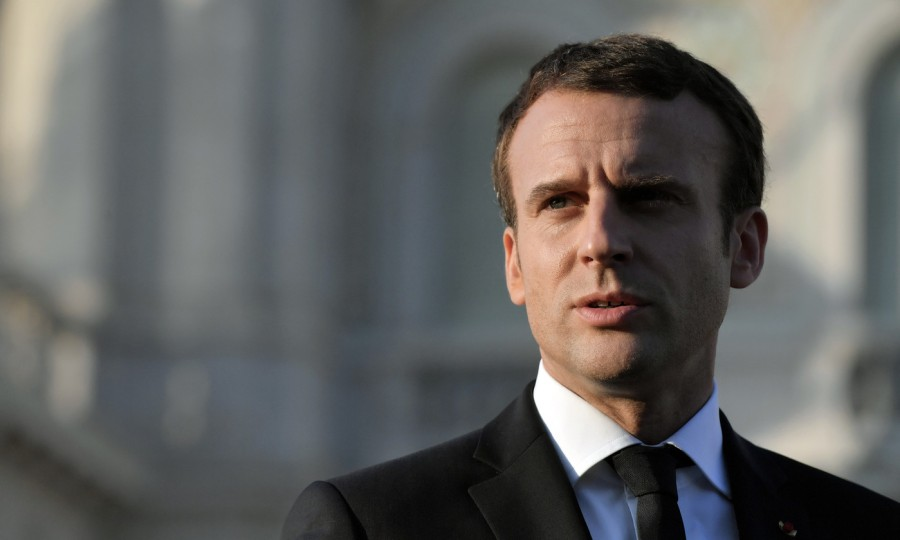 france president-francais-Emmanuel-Macron-vient-franchir-jours-lEtat_0_1399_840