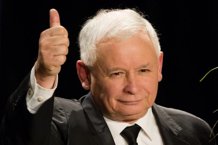POLOGNE Jarosław Kaczyński, C8rktkpTURBXy8wYTI0ZTQ4MzU4NjRmZmEzMjdjMzRhYjMzOGQwZTJmZi5qcGeRkwIAzQHk