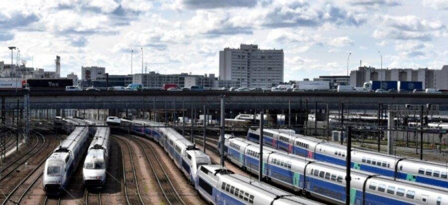 SNCF 661_afp-news_adb_ca0_d3e72fc85577f237bb1146c0ed_greve-a-la-sncf-mercredi-un-tgv-sur-3-circulera-2-ter-et-transiliens-sur-5 000_1435D4-highDef