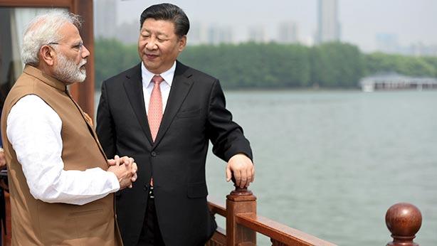 chine-monde Xi Jinping et Narendra Modi sur le Yangzi à Wuhan. _052018_01