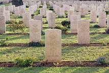 CIMETIERE MILITAIRE AUSTRALIE corps-de-cavalerie-australiens-de-cimetière-militaire-depuis-le-premier-monde-59175211