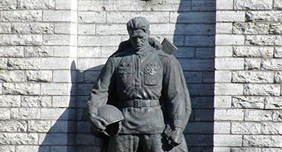 estonie russie La Cour européenne des droits de l'Homme prend la défense du Soldat de bronze 1022575760
