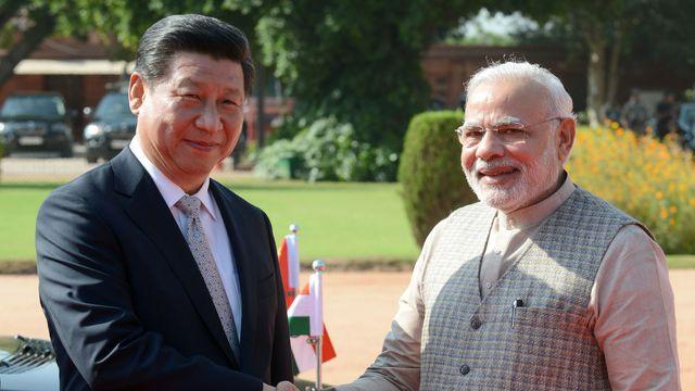le-premier-ministre-indien-narendra-modi-d-et-le-president-chinois-xi-jinping-le-18-septembre-2014-a-new-delhi_5070210