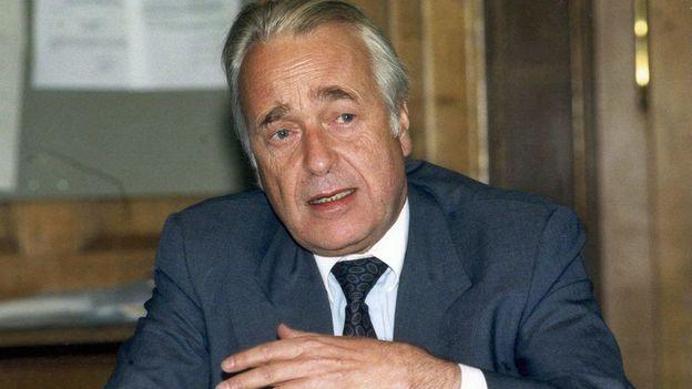 SUISSE secrétaire d_État et négociateur face à l_EEE Franz Blankart 624