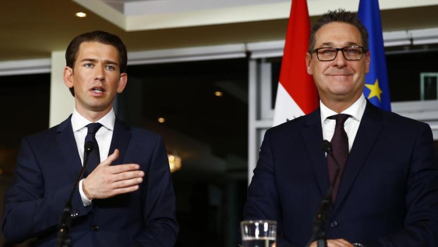 AUTRICHE le chancelier Kurz et le vice-chancelier Strache 2017-12-16t162229z_1655914352_up1edcg19hgnc_rtrmadp_3_austria-politics_0