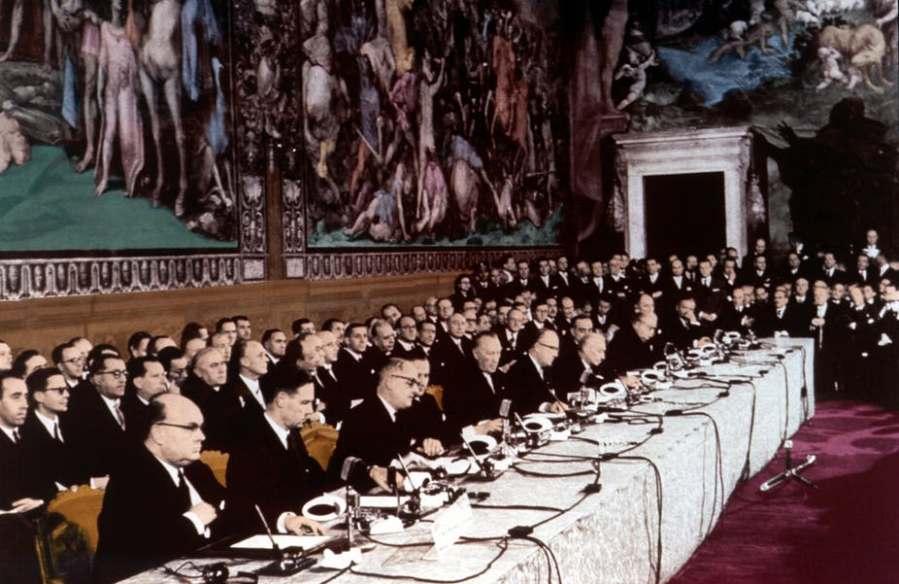 EUROPE Signature du Traité de Rome, le 25 mars 1957. Ignoto-Wikimediaimage-20170104-29222-161cjla