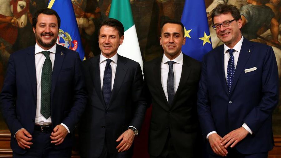 Italie De gauche à droite Matteo Salvini, Giuseppe Conte, Luigi Di Maio et Giancarlo Giorgetti, les cadres du nouveau gouvernement italien.2018-06-01t164403z_1141688062_rc18dfae3700_rtr