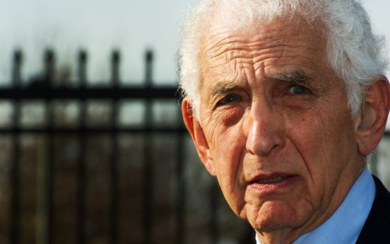 JOURNALISTE Daniel Ellsberg eight_col_000_Was6098833