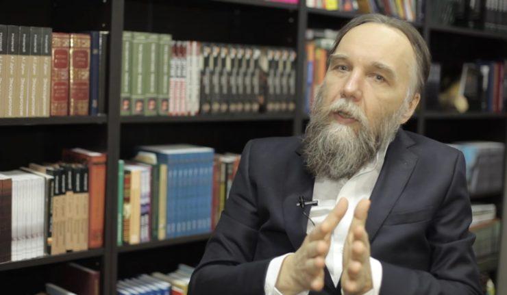 russie Alexandre Douguine est un intellectuel et philosophe nationaliste russe.douguine-source-youtube-740x431