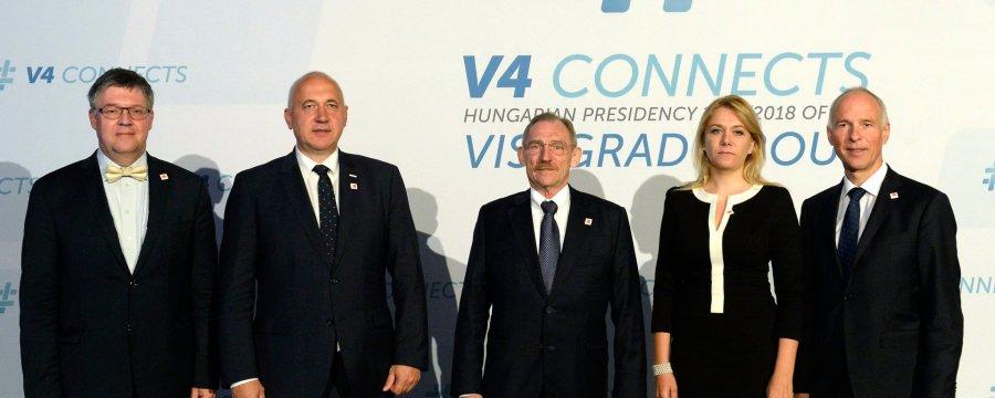 CHMIEL, Juraj; PINTÉR Sándor