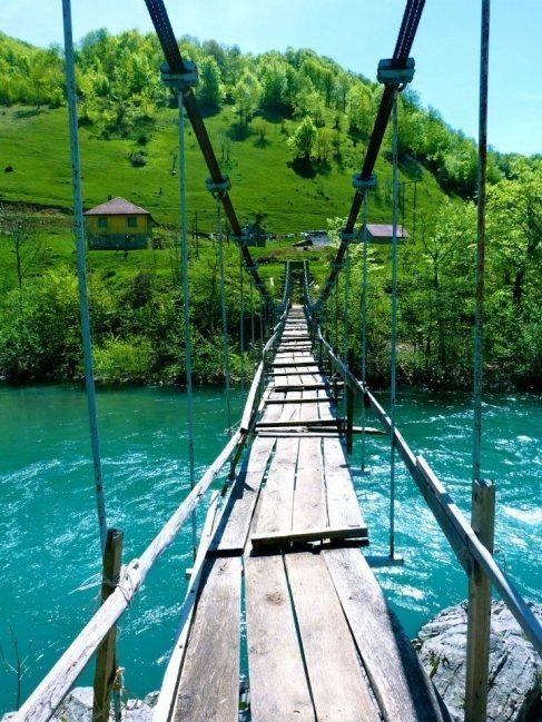 MORACA Turquoise River, The Moraca Valley, Montenegro 65ec1e8fc2d7af63b1d0ca005245b66c