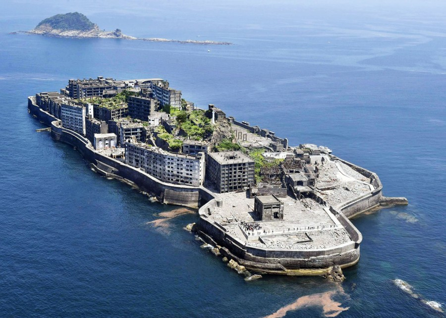 """Battleship Island"" off Nagasaki, candidate for World Heritage site"