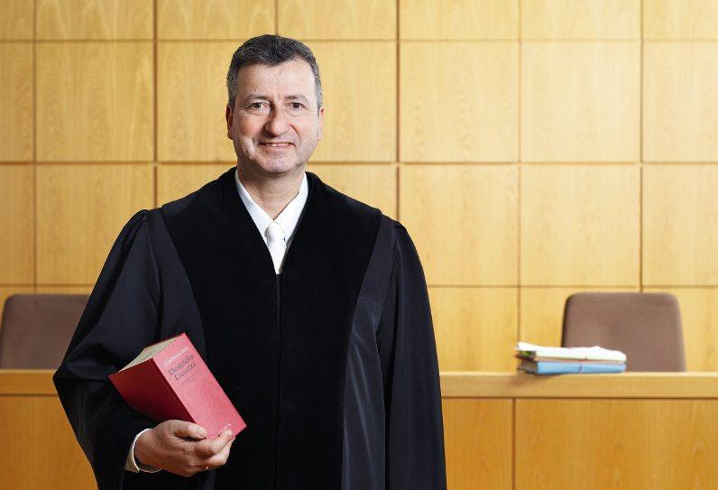 allemagne Jens Gnisa intiulé «Das Ende der Gerechtigkeit. Ein Richter schlägt Alarm» co-sp-2016-051-0143-01-228254-bi.40f3822