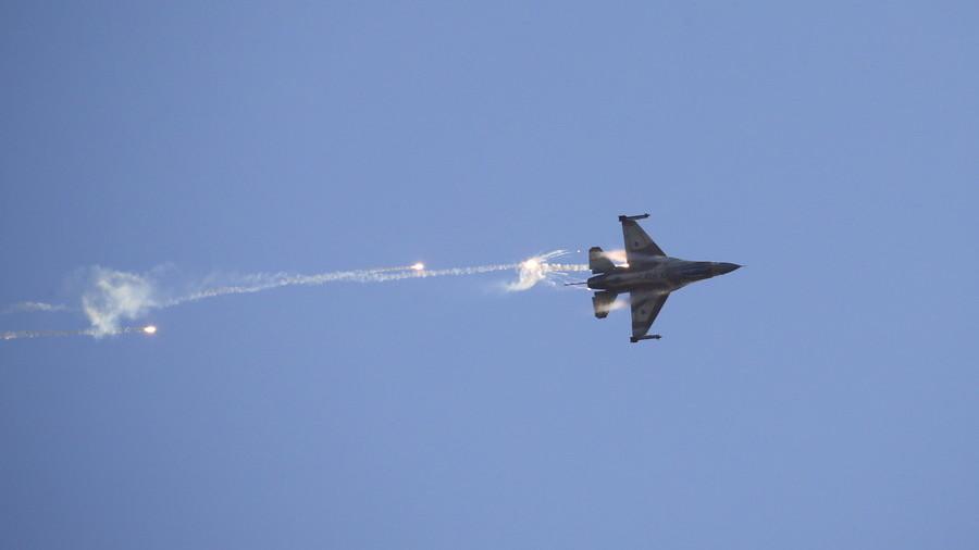 avion F-16-1