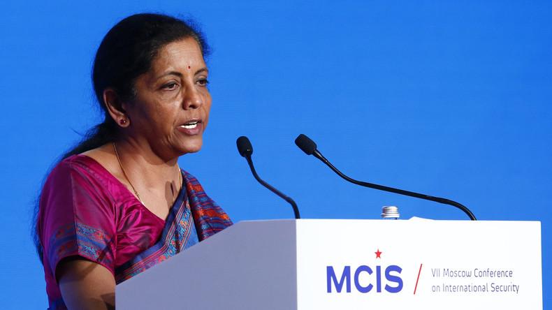 INDE La ministre indienne de la Défense Nirmala Sitharaman prononçant un discours à la Conférence annuelle sur la sécurité internationale de Moscou, le 4 avril 2018. 5ae0463909fac2