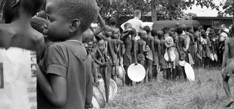 INGERENCE HUMANITAIRE biafra